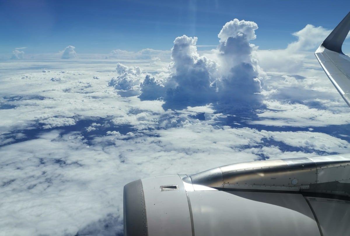 Flugscanner Flugzeug Wolken