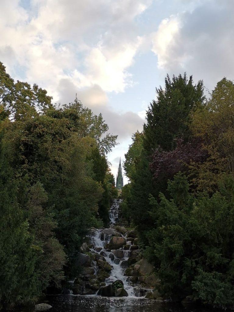 Berlin für Entdecker Viktoriapark Wasserfall