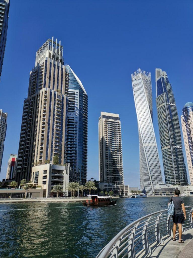 Dubai günstig Essen Skyline