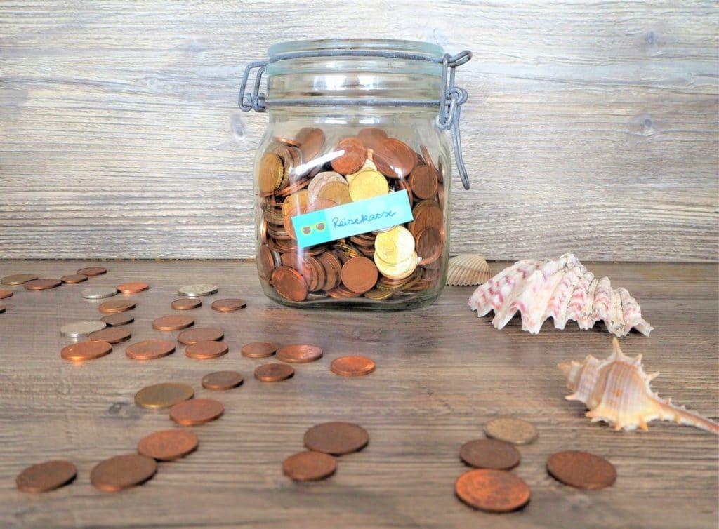 Geld sparen Reisekasse Münzen