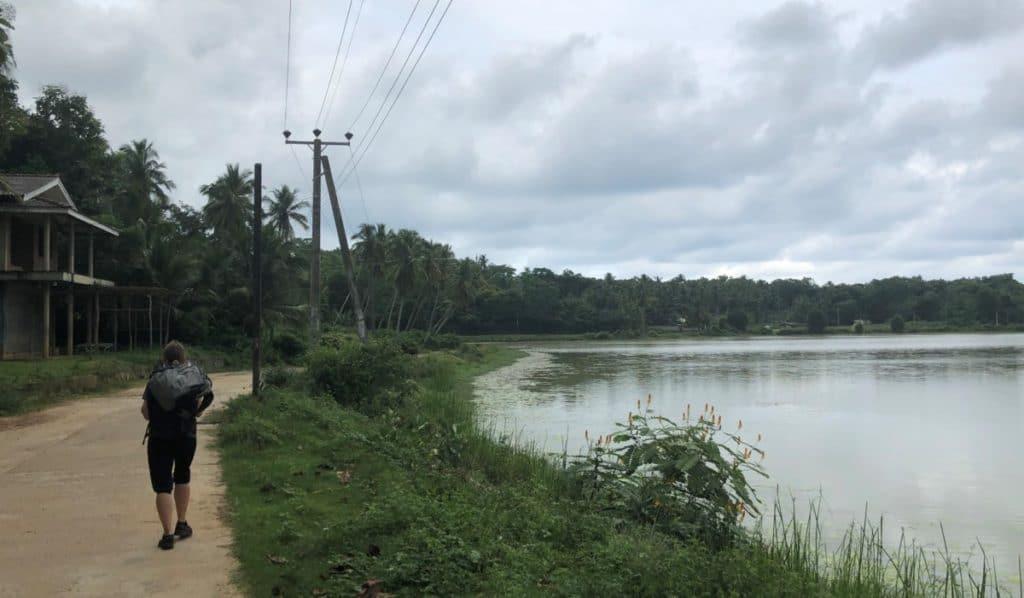 Backpacker in Sri Lanka Wetter und Wolken