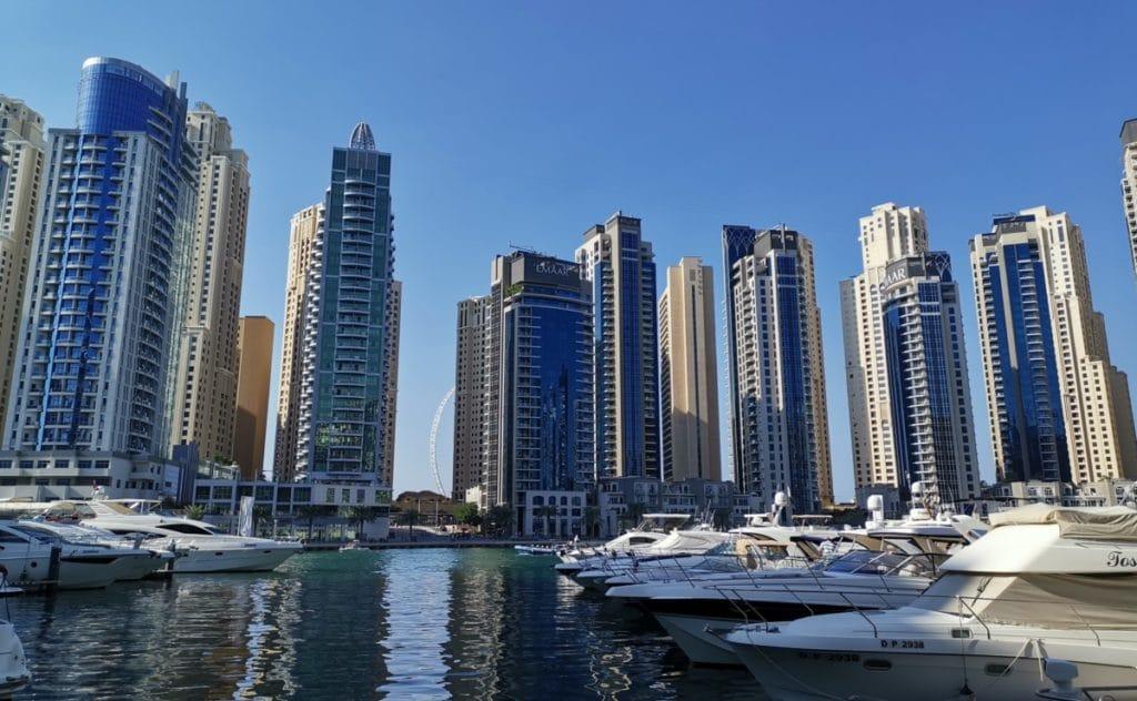Reise nach Dubai Marina im Dezember