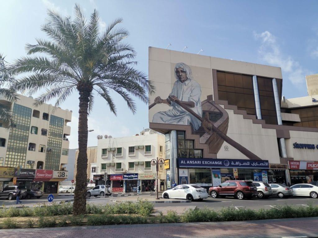 Reise nach Dubai Streetart Boot