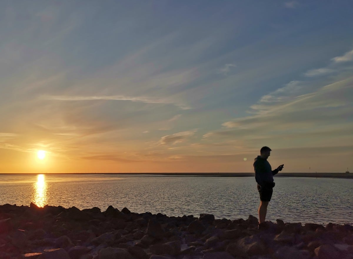 Handy im Ausland Sonnenuntergang
