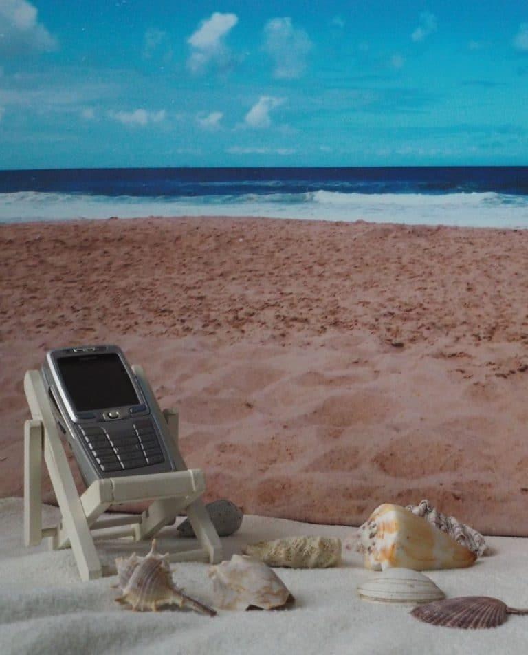 Handy im Ausland Strand