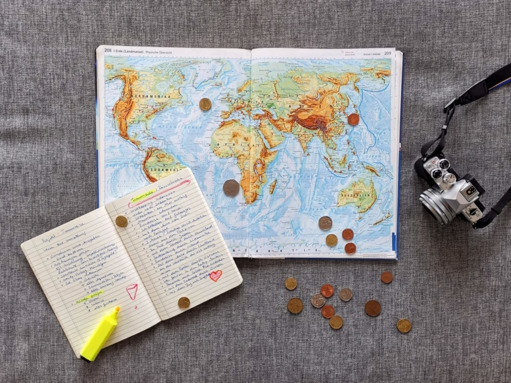 Geld sparen Reise Weltkarte