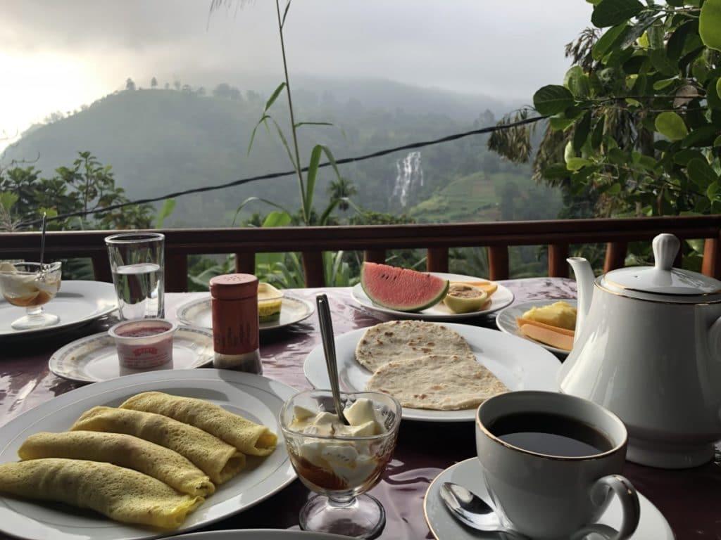 Sri Lanka Reisetipps Frückstück Berge