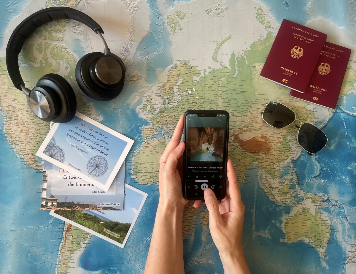 Reise-Podcasts hören mit Handy